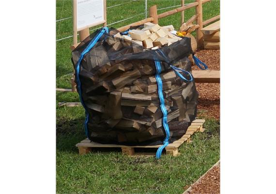 Brennholz Fichte, gesägt gespalten, Sack - Scheiterlänge 50 cm