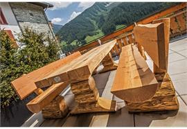 Gartensitzgruppe Pische, Sitzbänke mit Lehne