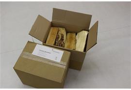 Karton Brennholz