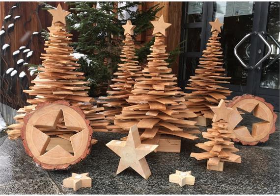 Stern in Holzrondelle